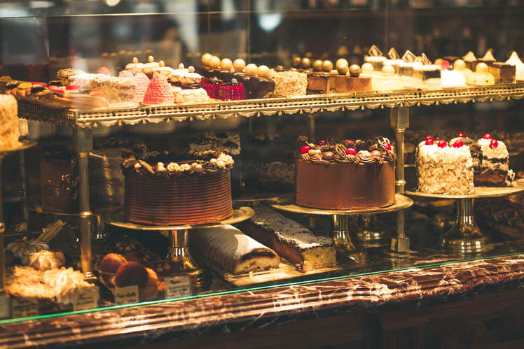 What is the Best Location for a Cake Shop